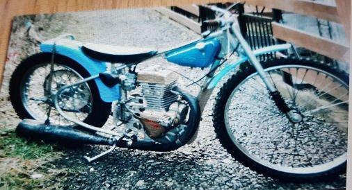 JAWA 895 Bike.jpg